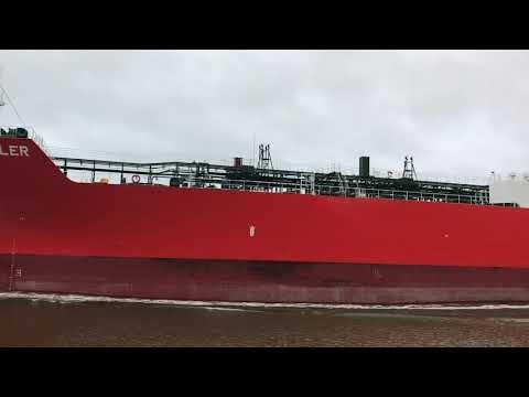 """Embedded thumbnail for Tanker """"Solar Skyler"""" im Kiel Canal by Frank Behling"""