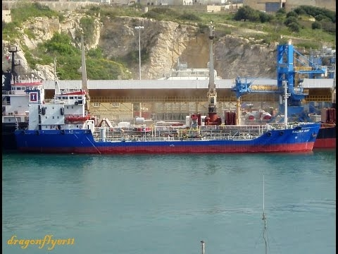 Embedded thumbnail for ⚓ shipspotting Valletta/Malta: Bunkering Tanker SALINA BAY IMO 8013118