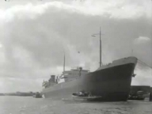 Embedded thumbnail for Supertanker in haven van Rotterdam (1950)